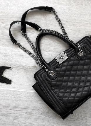Изумительная вместительная сумка/сумочка с ручками из цепочки