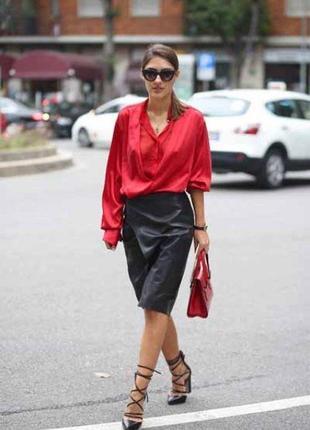 Стильная атласная блуза рубашка с длинным рукавом