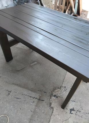 Стол из массива сосны.