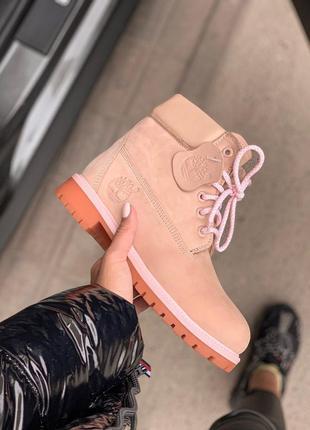 Шикарные розовые ботинки тимберленд