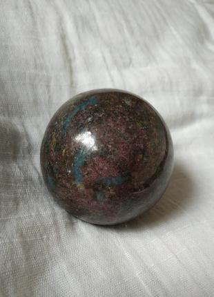 Шар рубин с кианитом, 48 мм