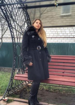 Раслов пальто зима 52 размер с мехом енота