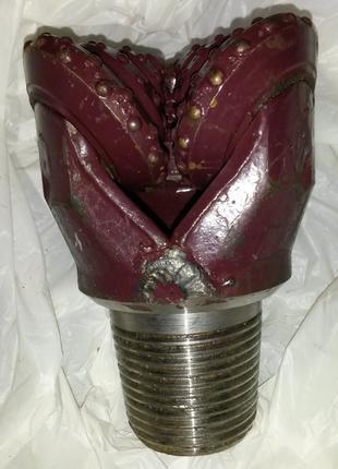 Долото буровое трехшарошечное. 3800 грн/штука