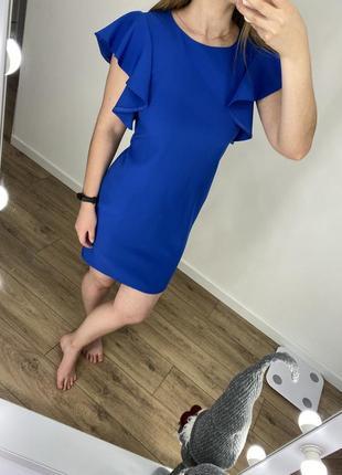 Красивое женское платье синего цвета