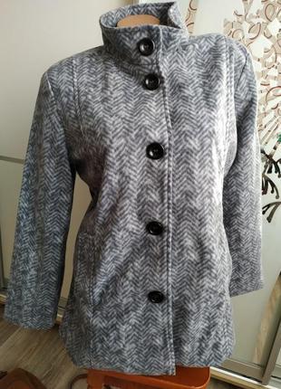 Демисезонное легкое пальто