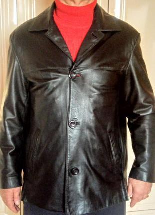 Мужской пиджак из 100% натуральной кожи.