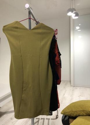 Платье цвета оливка новое с биркой