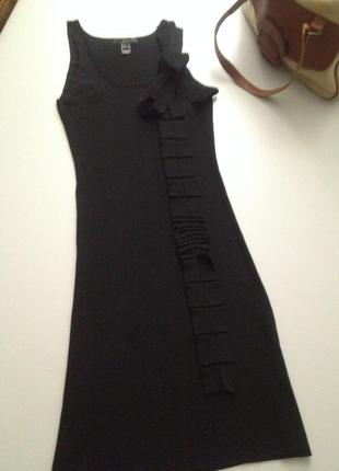Трикотажное облегающее платье.404
