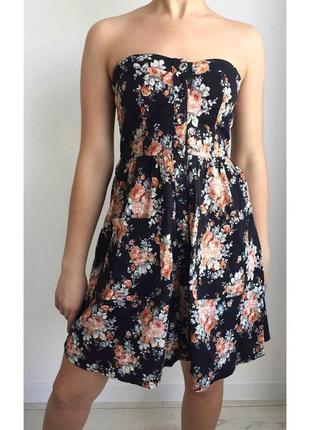Шикарна сукня з квітами від troll, плаття.