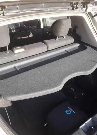 полка Nissan Leaf