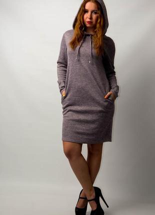 Платье женское спортивное с капюшоном и карманами от бренда ad...