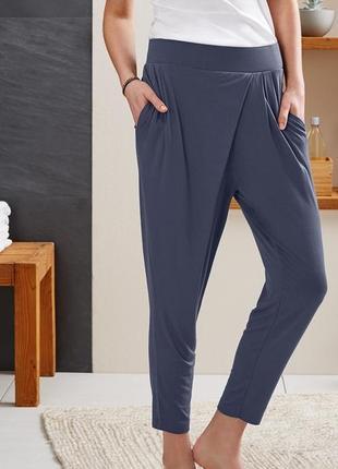 Легкі штани  з серії active. європейський розмір м
