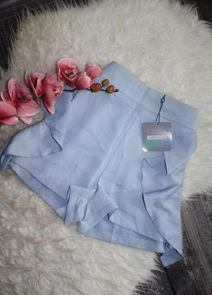 Нежные голубые шортики с рюшами