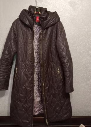Стеганое пальто большого размера.