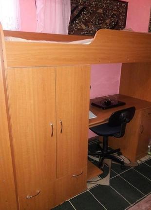 Продам дитяче ліжко з шухлядками і комп. столом