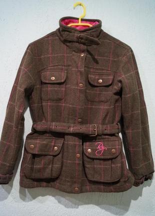 Пальто на девочку 10 лет,подойдет на больше
