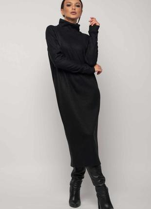 Зимнее платье черного цвета