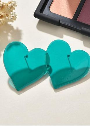 Серьги прозрачные сердца зеленого цвета