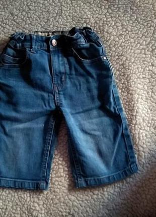 Джинсовые шорты 5-6 лет