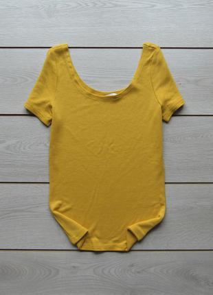 Горчичная футболка с круглым вырезом от clockhouse