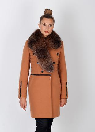 Шикарное зимнее женское горчичное пальто с натуральным мехом