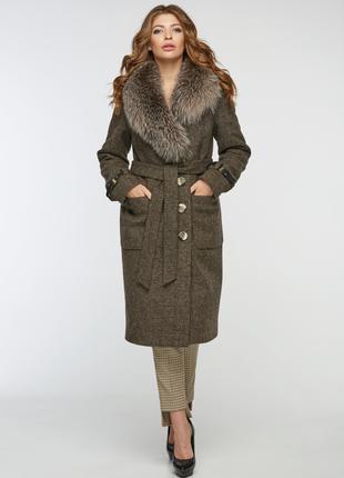 Зимнее женское классическое коричневое пальто с натуральным мехом