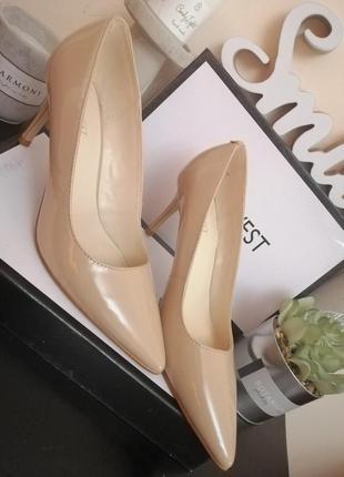 Стильные классические бежевые туфли лодочки nine west