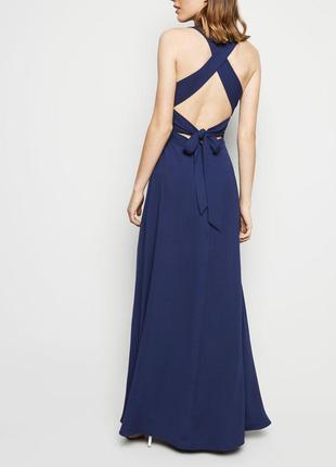 Длинное платье с шикарной спинкой
