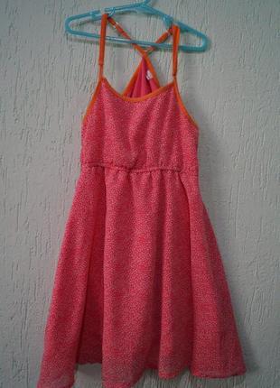 Платье на девочку,рост 134-140