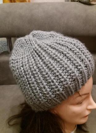 Вязания шапка бини крупной вязки с металиризованой ниткой ручн...