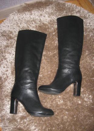 Демисезонные кожаные сапоги ( Attizzare)