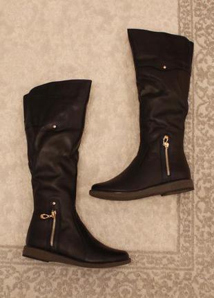 Зимние кожаные сапоги. сапожки 36, 37 размера на низком ходу
