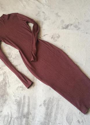 Плаття в'язане в дрібний рубчик