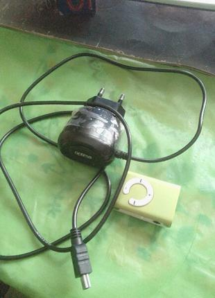 Продам  Mp3 плеер с зарядкой