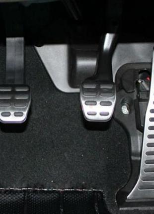 Декоративные модельные накладки на педали автомобиля МТ, АТ