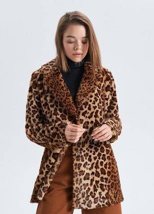 Актуальное меховое леопардовое пальто cropp town