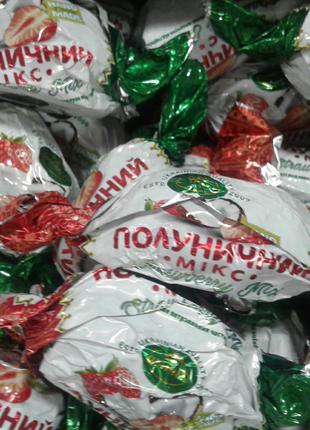 Клубника в шоколаде, Шоколадные конфеты в ассортименте