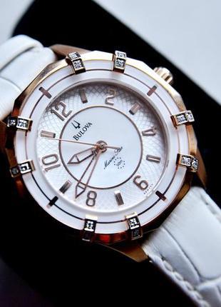 Бриллианты! женские часы с бриллиантами bulova. натуральный пе...