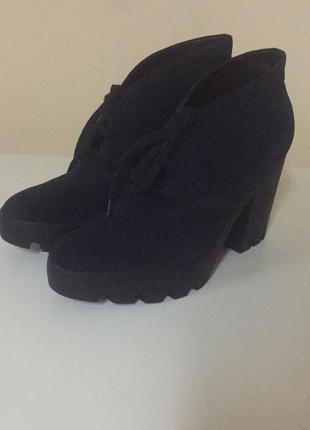 Ботинки женские calvin klein jeans  тёмно-синие, размер 41