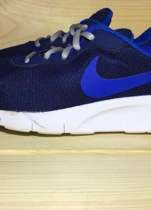 Nike оригинал р-36,5 (24 см стелька)