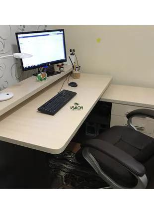 Угловой компьютерный стол с дополнительной столешницей