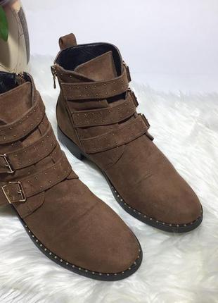 Женские ботинки с пряжками merry scott