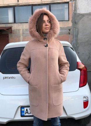 Зимнее женское персиковое шерстяное пальто-парка с натуральным...