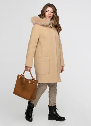 Зимнее женское песочное шерстяное пальто-парка с натуральным м...
