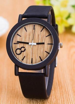 Женские наручные часы под дерево