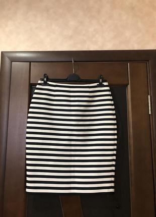 Модная юбка-карандаш в белую полоску от бренда next. новая. р-...