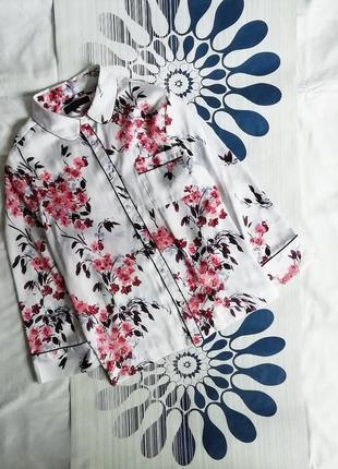 Блузка в бельевом пижамном стиле белая в цветочный принт блуза...