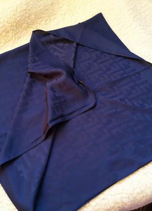 Большой шелковый платок fendi 91*93