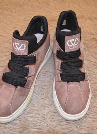 Туфли на танкетке бледно-розовые замшевые 38 размер