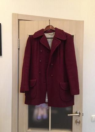 Шикарное теплое пальто цвета марсала